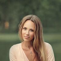 Portrait of a photographer (avatar) Ирина Микульская (Iryna Mikulskaya)